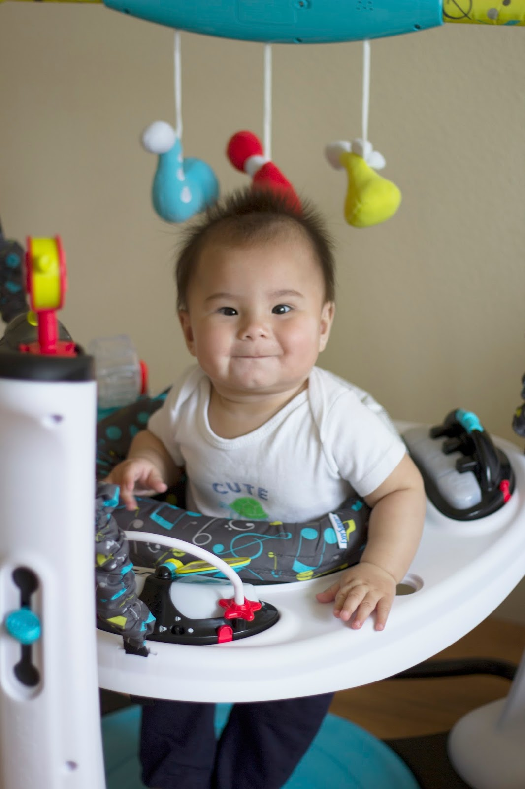 evenflo exersaucer activity center product review – jetting jewels - design with  pillars and a bounce base the exersaucer® jumper providesstability and a solid foundation baby j jumps and pounds on this thingwith a