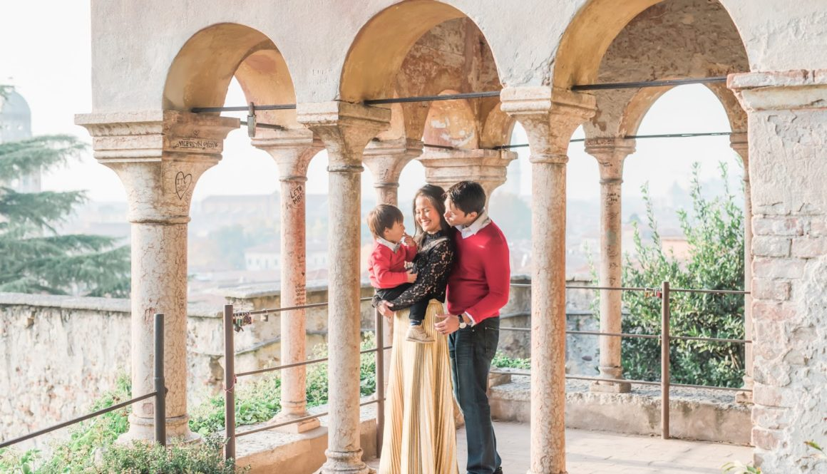 Family Holiday Photos in Verona + New Years Goals