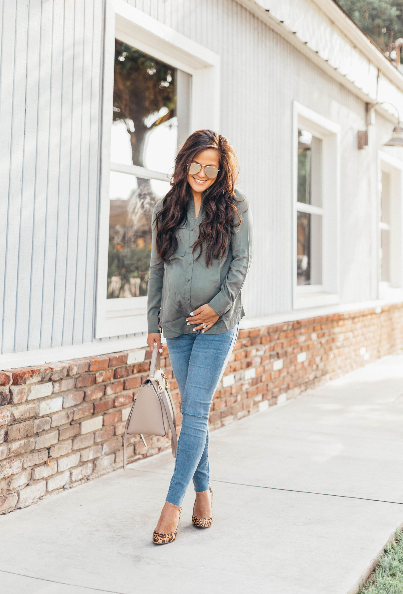 7b749959feb83 If there's one piece of advice I can give pregnant women when it comes to  clothes, it's to shop items that are transitional. What I mean by that is,  ...